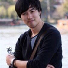 兴eMo➍ User Profile
