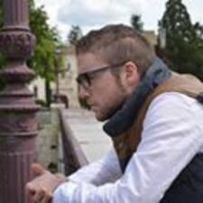 Adrián Brukerprofil