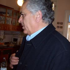 Giovanni是房东。