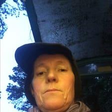 โพรไฟล์ผู้ใช้ Susan