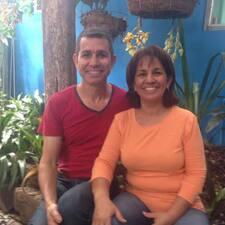 Oscar Y Graciela es el anfitrión.