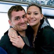 Profil Pengguna Natalie & Stephen