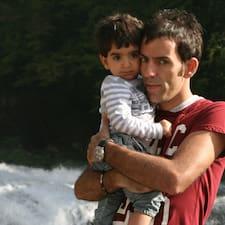 Ivano Marco ist der Gastgeber.