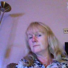 โพรไฟล์ผู้ใช้ Dorinda