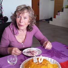 Elisabetta is the host.