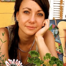Katja es el anfitrión.