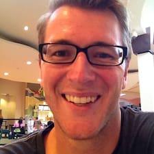 Justin felhasználói profilja