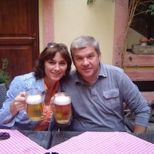 Dajana&Hrvoje è l'host.