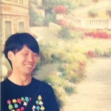Toru是房东。