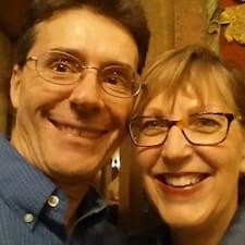 Bruce And Colleen — хозяин.