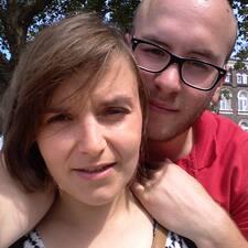 Aline & Camille User Profile