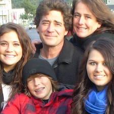 Liz & Family User Profile