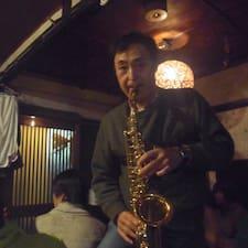 Yoshiharu is the host.