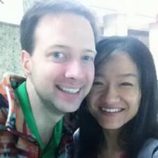 โพรไฟล์ผู้ใช้ Josh And Jing 杨光和静静