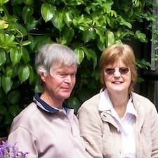 Richard And Marylin是房东。