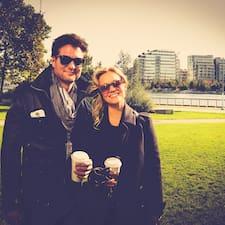 Sarah And Kyle คือเจ้าของที่พัก
