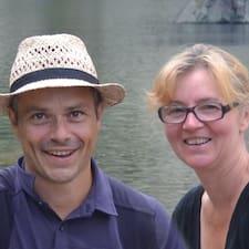 Aline Et Pierre est l'hôte.