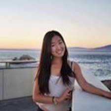 Phuong Nhi felhasználói profilja