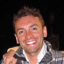 Victor Maximiliano User Profile