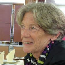 Françoise — хозяин.