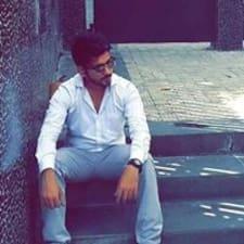 Imran es el anfitrión.