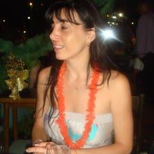 Elisa is the host.