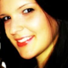 Lisa-Marie felhasználói profilja