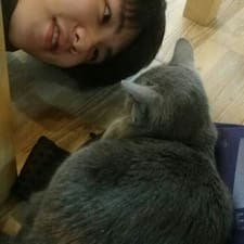 โพรไฟล์ผู้ใช้ JiHoon
