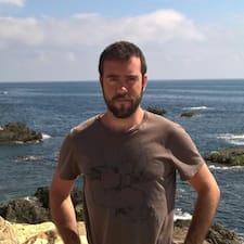 Santi Brugerprofil