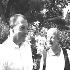 Suse Und Karl ist der Gastgeber.