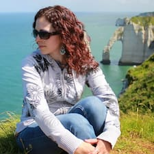 Profil Pengguna Maria Pilar