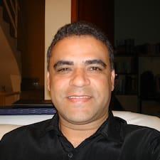Ev sahibi Joao Henrique.
