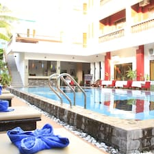 Mekong Angkor Palace & Deluxe Hotel is the host.