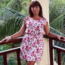 Юля es el anfitrión.