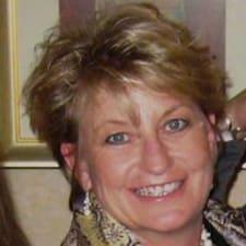 Потребителски профил на Julie