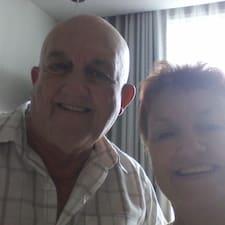 โพรไฟล์ผู้ใช้ Barry & Rhonda