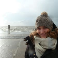 Lara-Antonia User Profile