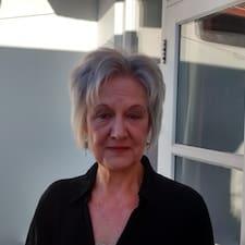 Deborah es el anfitrión.