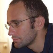 Profil Pengguna Dario