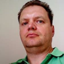 Brun felhasználói profilja