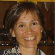Elvira Rosa ist der Gastgeber.