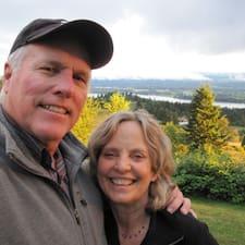Jerry And Patti คือเจ้าของที่พัก