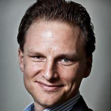 Dirk-Jan es el anfitrión.