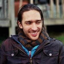 Profil Pengguna Tom