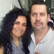 Augusto E Izabel is the host.
