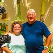 Stewart And Paula ist der Gastgeber.