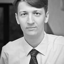 Егор è l'host.