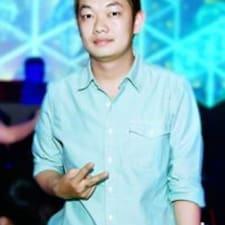 Quang Chi User Profile