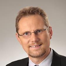 โพรไฟล์ผู้ใช้ Hans-Peter