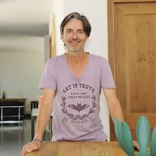 Richard คือเจ้าของที่พัก